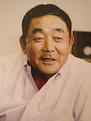 先代 代表取締役会長 弓場 静昭